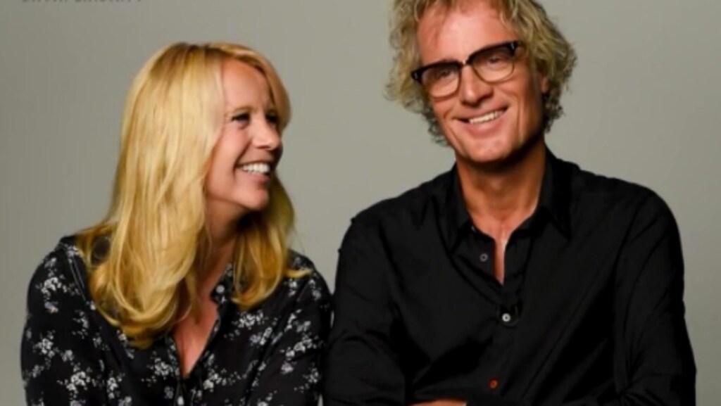 Talkshowhosts vertellen over privé-leven aan Linda de Mol