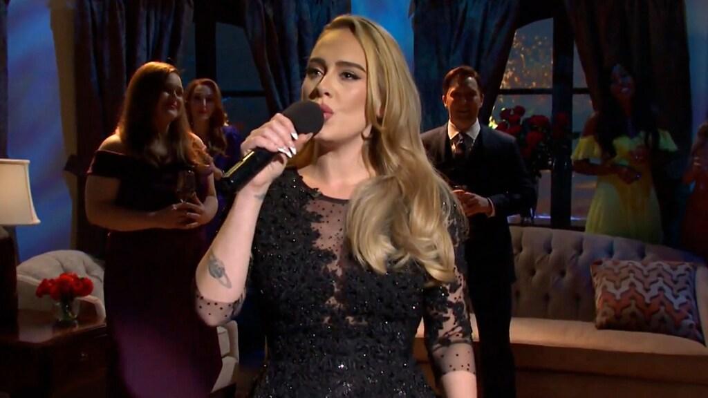 Adele is terug van weggeweest
