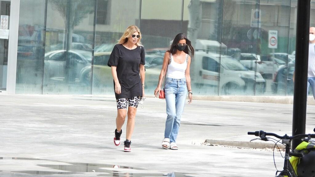 Jaimie Vaes en Estelle Cruijff bij rechtbank Ibiza