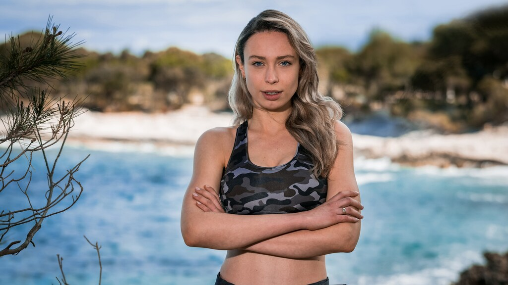 Loiza Lamers in Expeditie Robinson