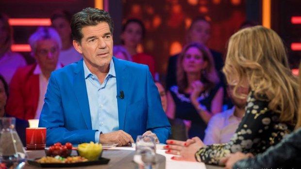 Twan Huys sluit RTL Late Night af met cast De Luizenmoeder