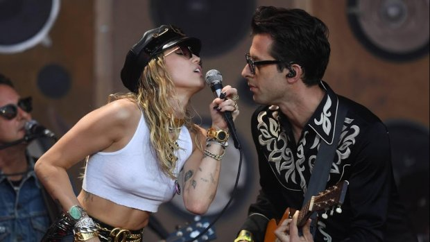 Miley Cyrus wilde niet samenwerken met Mark Ronson