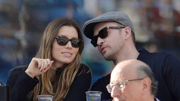 Justin en Jessica supporten Serena Williams