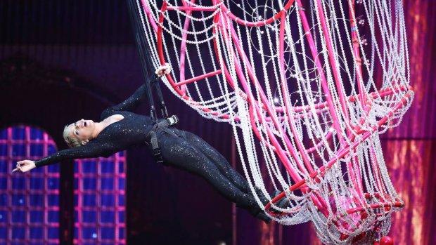 Pink voor het eerste op podium na ziekte