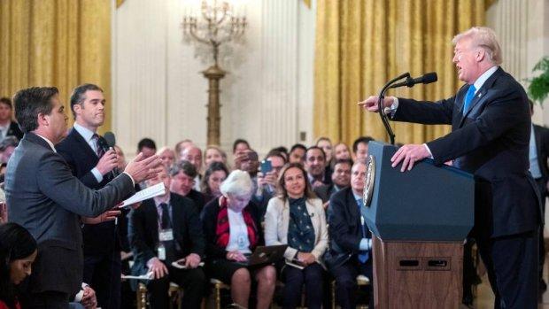 CNN klaagt Witte Huis aan voor schorsen journalist