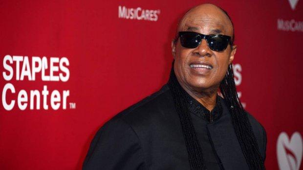 Stevie Wonder bezoekt Aretha Franklin