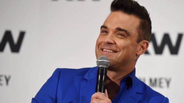Robbie Williams houdt alle ballen met gemak hoog