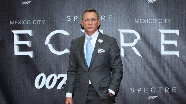 Daniel Craig traint om Bondrol weer op zich te nemen