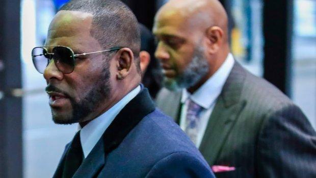 'R. Kelly betaalde slachtoffer niet af'