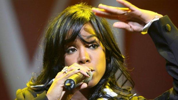 Kelly Rowland geeft moederlijk advies