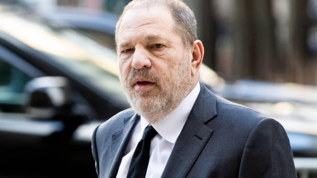 Ex-HR-manager klaagt Harvey Weinstein aan