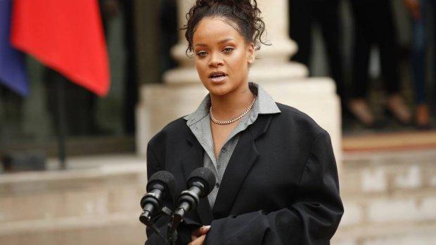 Rihanna wordt 30 en feliciteert moeder