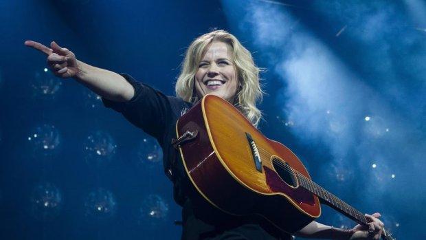Ilse stoomt Duncan klaar voor songfestival