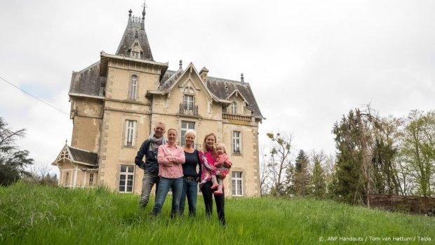 Kijkers smullen van flamboyante Martien in Chateau Meiland