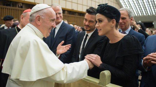 Katy Perry bevestigt relatie met Orlando