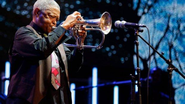 Jazzmusicus Hugh Masekela overleden