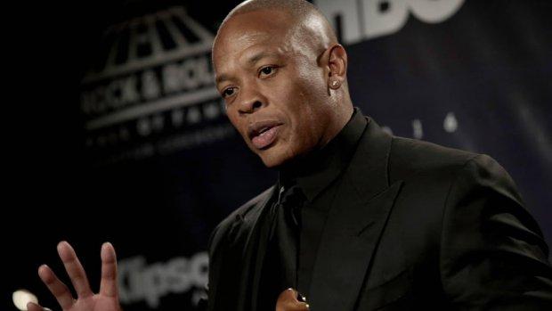 Dr. Dre onder vuur na post over studie dochter