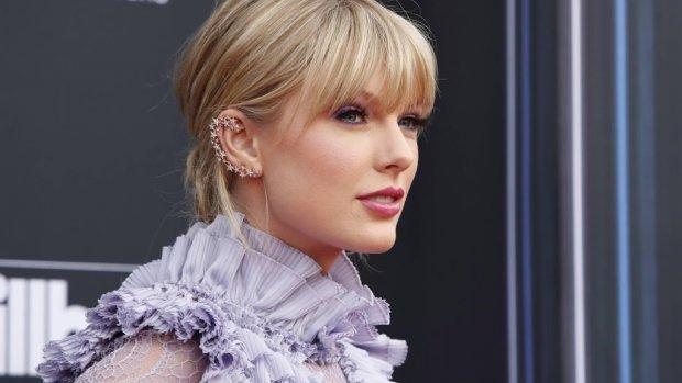 Taylor Swift laat haar katten als merken vastleggen