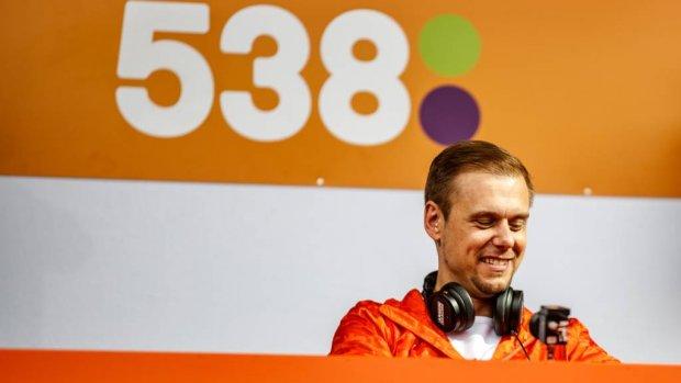 Dood Avicii hakt erin bij Armin van Buuren