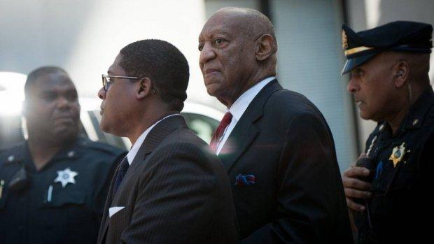 Bill Cosby thuis met enkelband