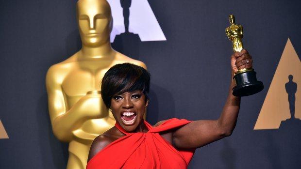 Viola Davis wint Oscar vrouwelijke bijrol
