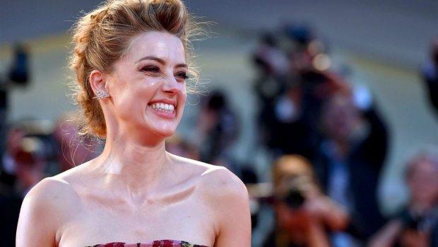 Vader: Amber Heard wil trouwen met Elon Musk