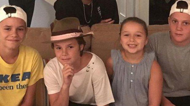 Familie Beckham op de set van Modern Family