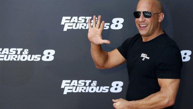 Vin Diesel neemt het op voor Dwayne Johnson