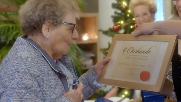 Jamai en hele buurt verrassen 89-jarige Greet