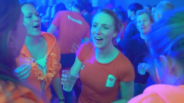 Carlijn viert feest in het Holland Heineken House