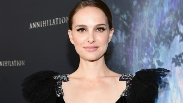 Natalie Portman ziet lekkend flesje aan voor gebroken vliezen