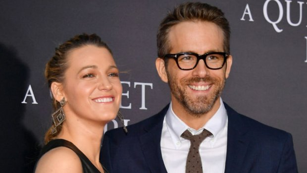 Ryan Reynolds is geadopteerd door acteurskoppel