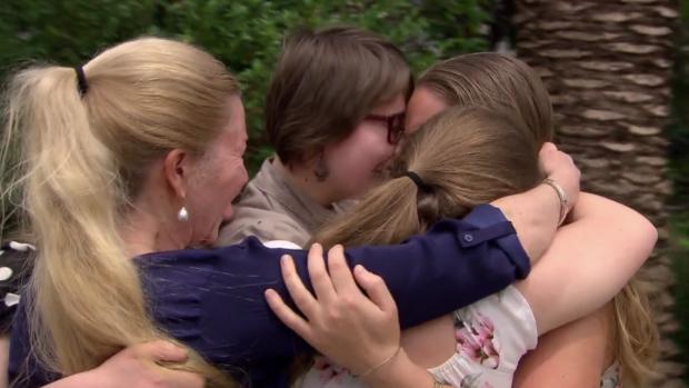 ZIEN: Robert ten Brink verrast volledig gezin
