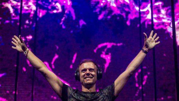 Armin van Buuren werkt aan nieuw album