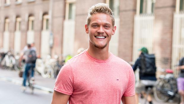 Minister vaart mee met GTST's Lucas tijdens Pride Amsterdam