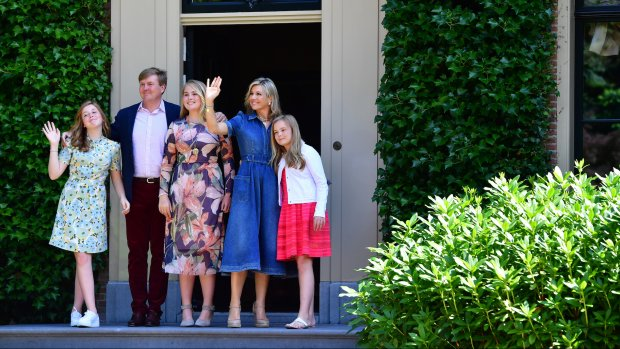 Royals shinen tijdens koninklijke fotosessie