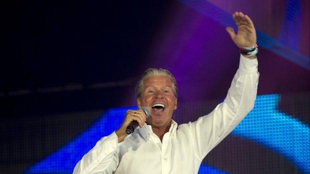 Hilarisch: je kunt dit weekend karaoke doen met Dries Roelvink