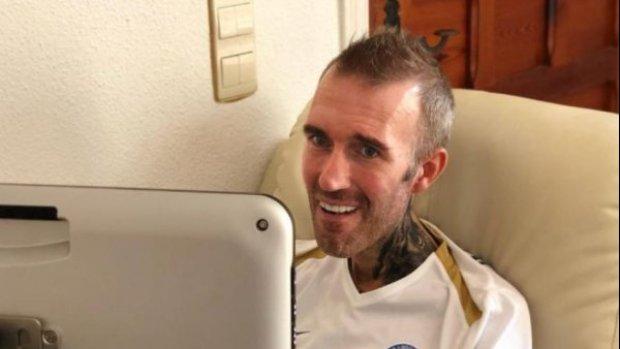 ALS-patiënt Fernando Ricksen kan eindelijk weer praten