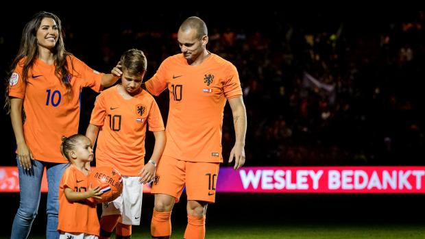 Bijzonder afscheidscadeau voor Wesley Sneijder