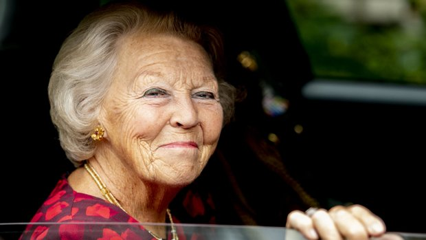Prinses Beatrix zit er warmpjes bij