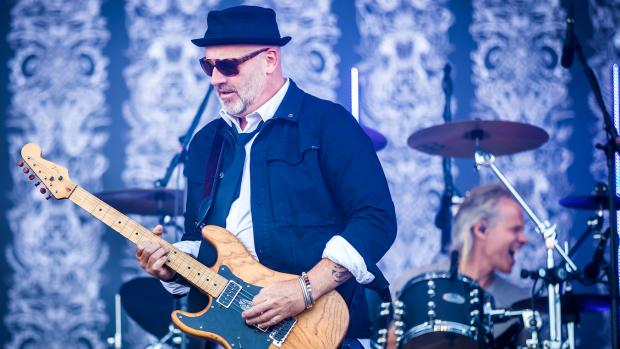 BLØF-zanger Paskal Jakobsen is alvast aan het voorkoken