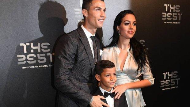 Vriendin Cristiano Ronaldo staat vierkant achter haar lief