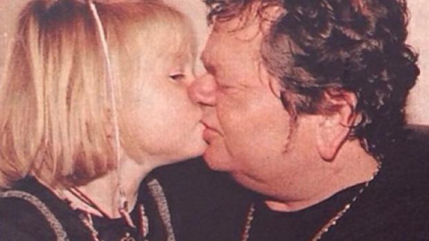 Ontroerend: Roxeanne Hazes op de bühne met papa André