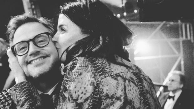 Manon Meijers en Guus Meeuwis delen snoezig liefdeskiekje