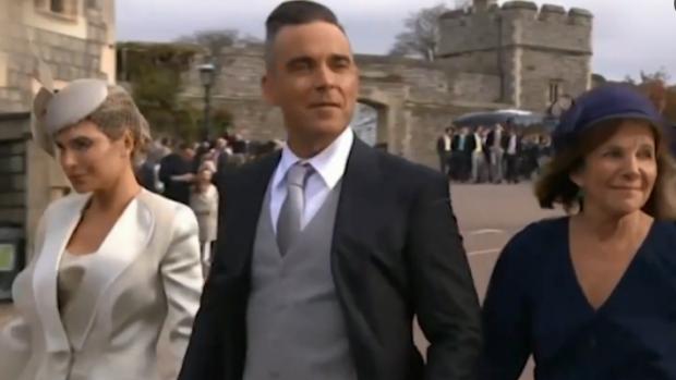'Lompe' actie Robbie Williams bij huwelijk: 'Geen gentleman'