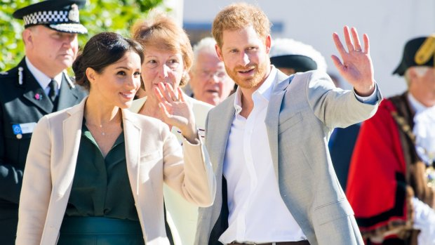 Privéjet Harry en Meghan geraakt door bliksem