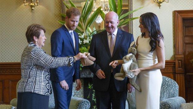 Harry en Meghan krijgen eerste babycadeautjes in Australië