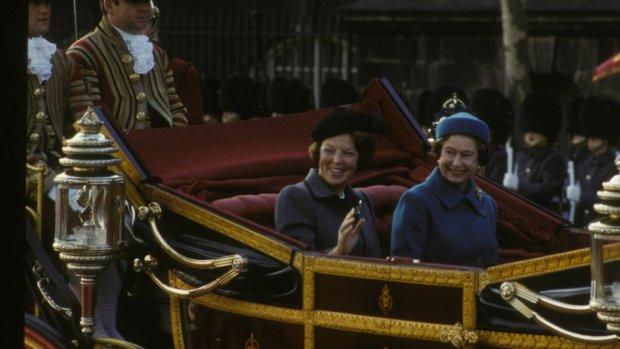 Nostalgie: prinses Beatrix bij koningin Elizabeth op visite