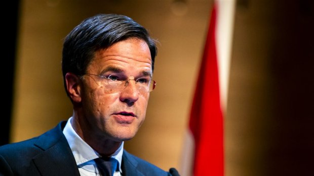 Mark Rutte verdedigt kunstveiling van De Oranjes