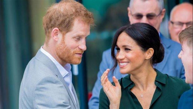 Meghan en Harry hebben slappe lach in Tonga
